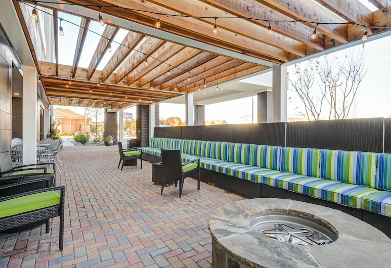 Home2 Suites by Hilton Irving / DFW Airport North, Irving, Terrasse/Patio