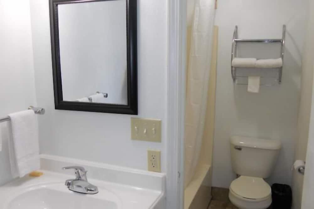 Standard Oda, 1 Büyük (Queen) Boy Yatak, Sigara İçilmez - Banyo