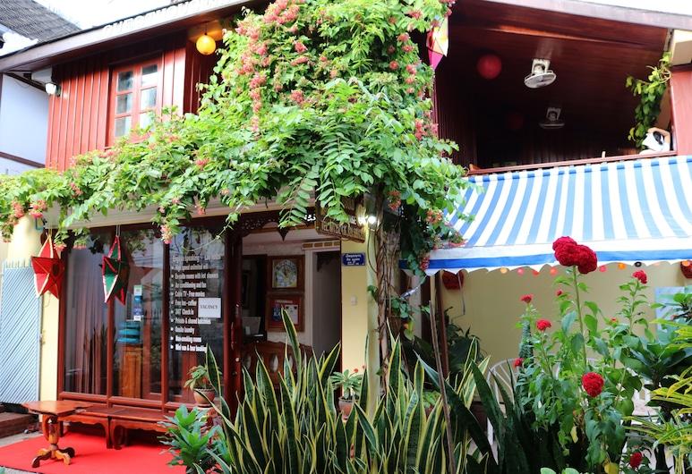 Apple Guesthouse, Luang Prabang, Parte delantera del hotel