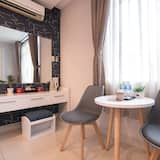 Deluxe Double or Twin Room - In-Room Dining