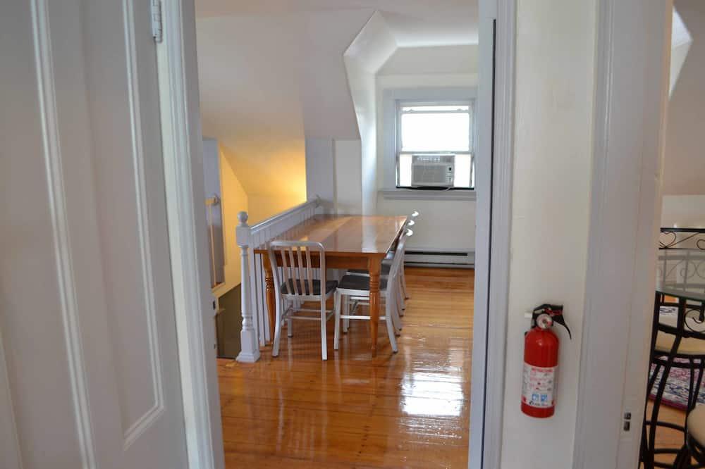 Luxusný apartmán - Stravovanie v izbe