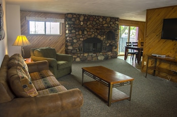 Picture of Flamingo Motel & Suites in Wisconsin Dells