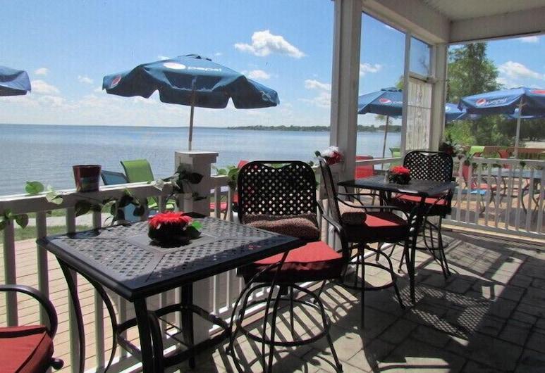 Lakeside Resort and Conference Center, Houghton Lake, Tempat Makan Luar Ruangan