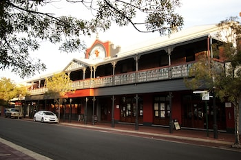 Closest Hotels to Leschenault Inlet from A$80 | Book at