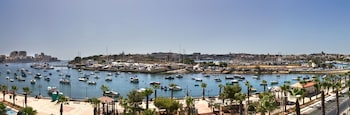 Enter your dates to get the Gzira hotel deal