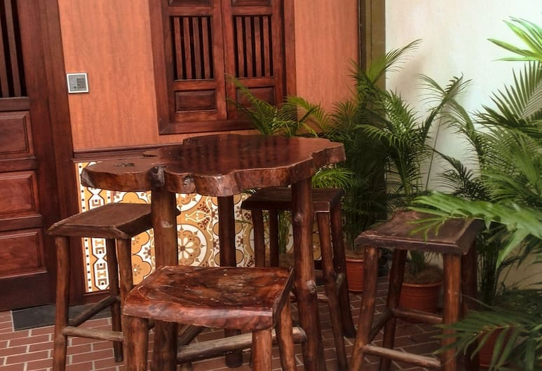 Magpie Residence, George Town, Terrace/Patio