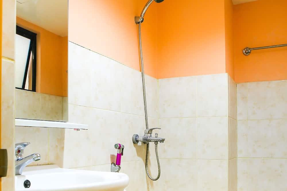 Suite Family Room - Bathroom