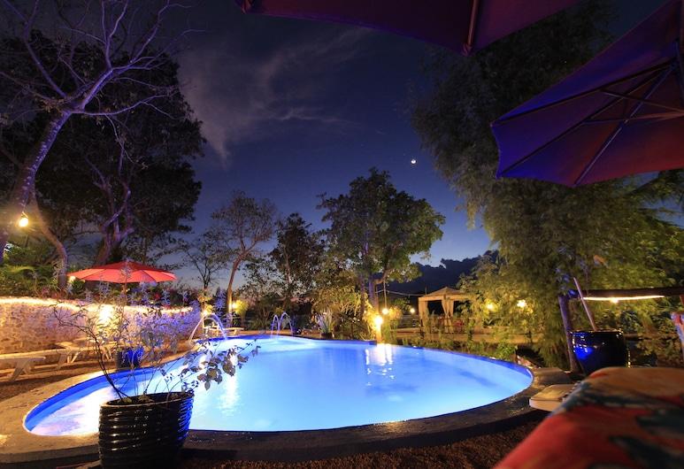 Discovery Island Resort, Coron