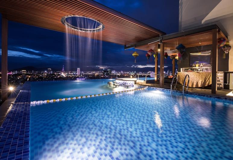 西西里亞溫泉飯店, 峴港, 室外游泳池