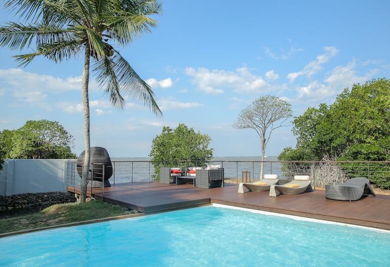 Villa Hundira, Negombo, Outdoor Pool