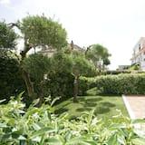 Apartment (with garden) - Lanai