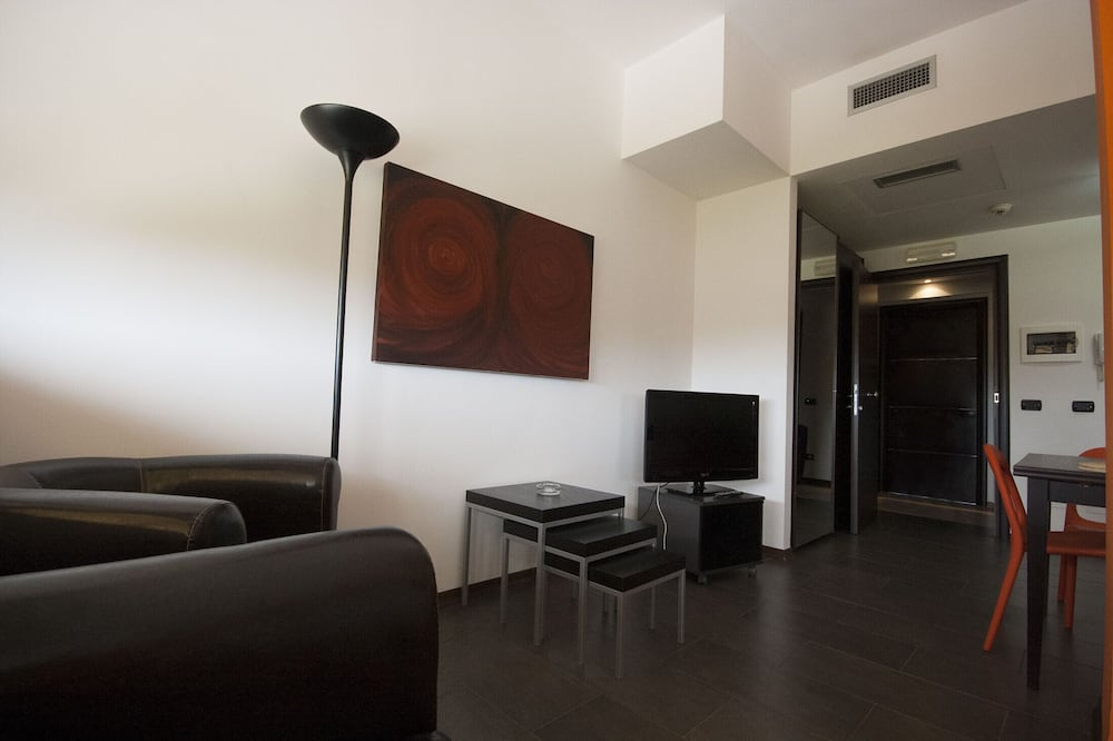 Apartment, 2 Single Beds - Living Area