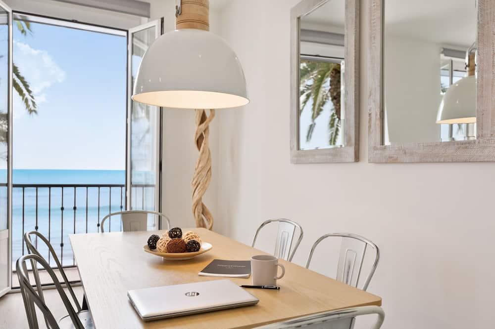 Premium Apartment, 2 Bedrooms, Sea View (Port alegre, 57) - Living Area