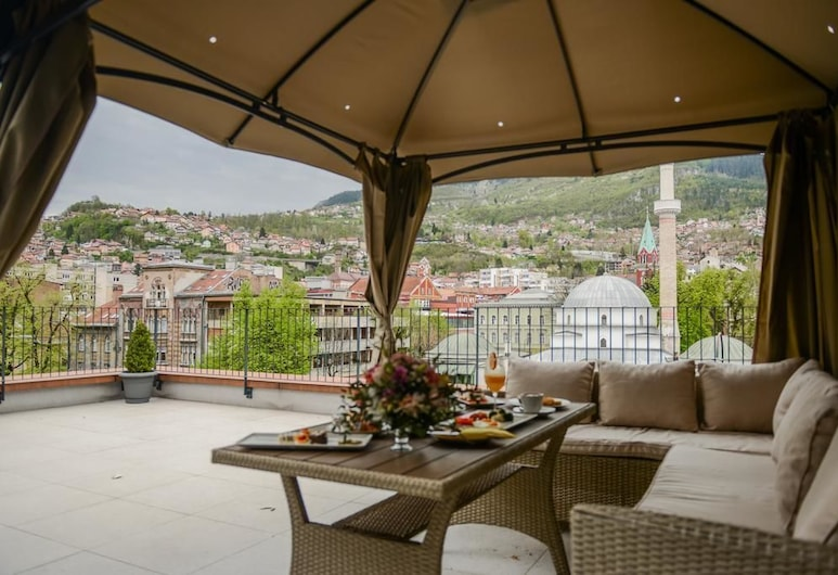 Hotel President Sarajevo, Sarajevo, Deluxe Double Room, 1 Double Bed, Balcony, City View, Balcony