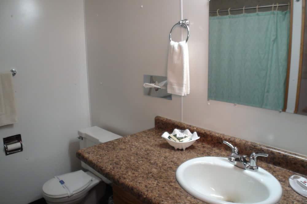 標準客房, 2 張加大雙人床 (Cherry) - 浴室