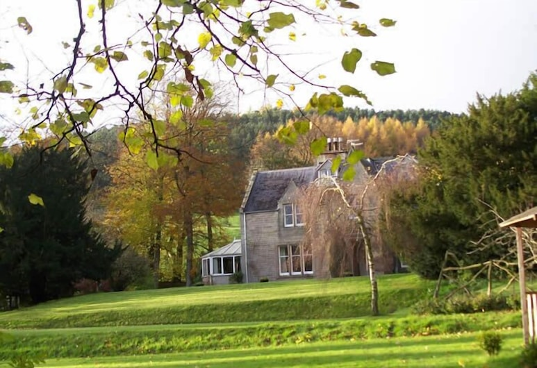 Whitchester Christian Guest House, Hawick, Property Grounds