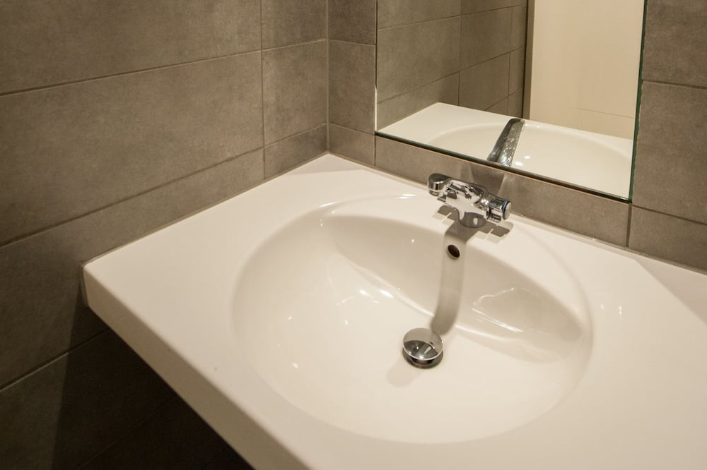 Economy Shared Dormitory, Men only - Bathroom