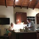 Villa, 1 Bedroom, Kitchen, Ocean View Seashell - In-Room Dining