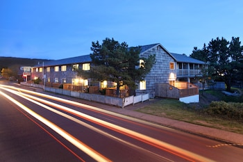 Picture of Coast River Inn by OYO in Seaside