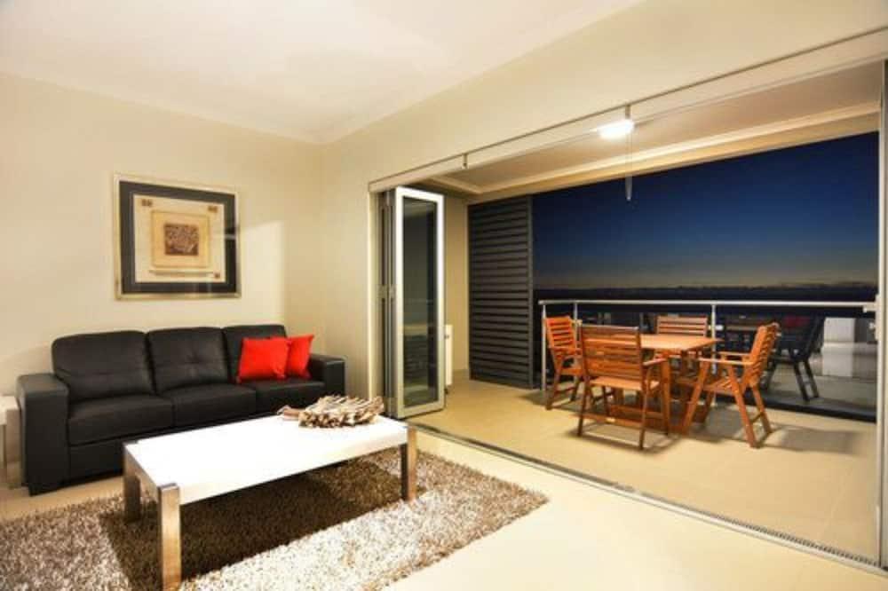 Loft, 2 Bedrooms - Living Area