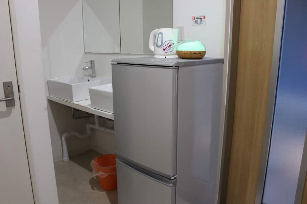 共同ドミトリー 男女共用ドミトリー - 小型冷蔵庫