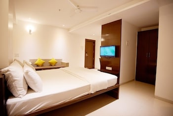 Picture of Hotel G-Square in Shirdi