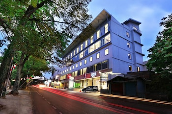 Foto Hotel NEO Dipatiukur - Bandung di Bandung