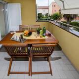 Superior Apartment, 2 Bedrooms, Balcony, Garden Area - Balcony