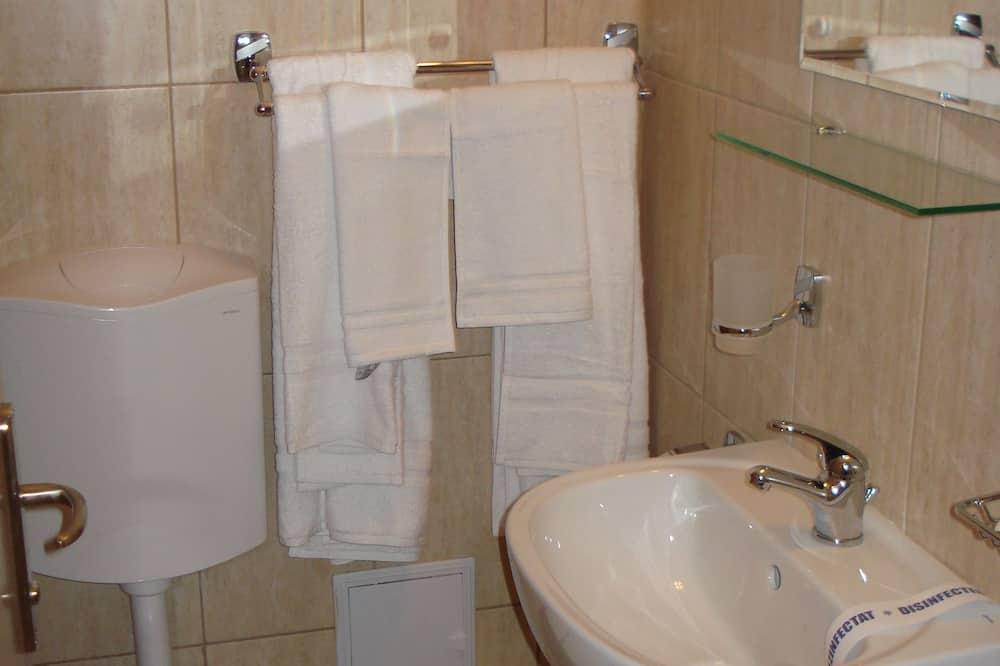 Habitación superior con 1 cama doble o 2 individuales - Baño