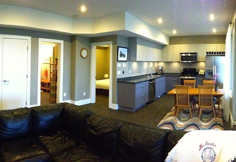 Pacific Breeze Suite, White Rock, Apartment (1 bedroom for 4 people or 2 bedrooms for 6 people), Guest Room