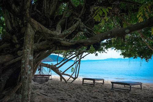 熱帶海灘渡假村/