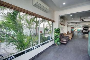 Фото Hotel Sai Miracle у місті Ширді