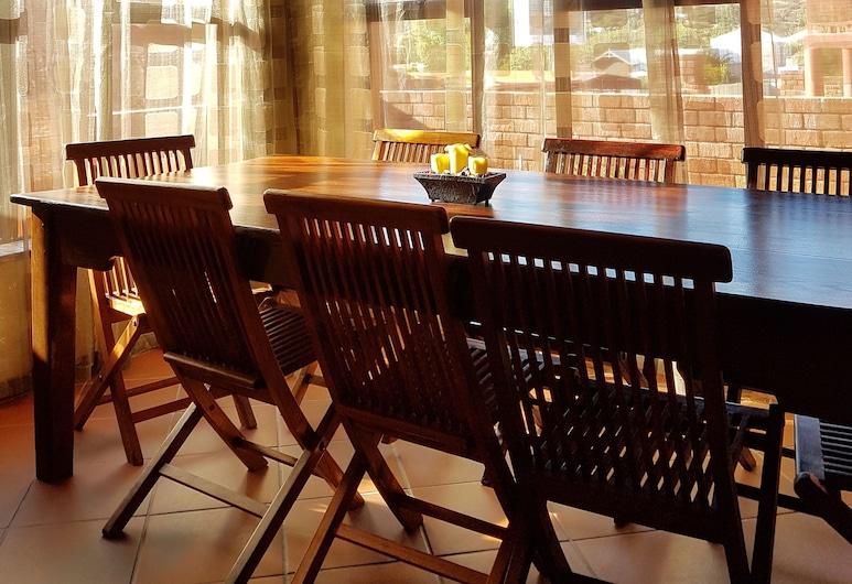Klein Windhoek Self-Catering Apartments, Windhoek, Departamento, 4 habitaciones (3), Sala de estar