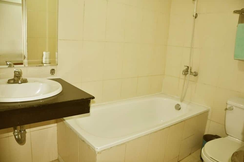 Familienzimmer, Nichtraucher, Stadtblick - Badezimmer