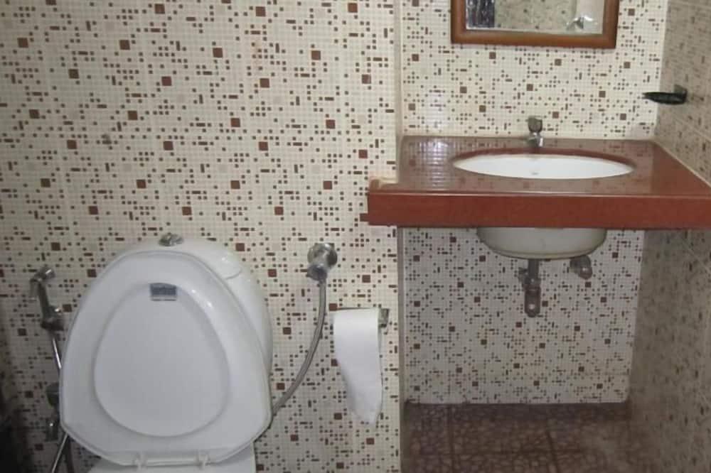 基本雙人房, 1 張標準雙人床, 吸煙房 - 浴室