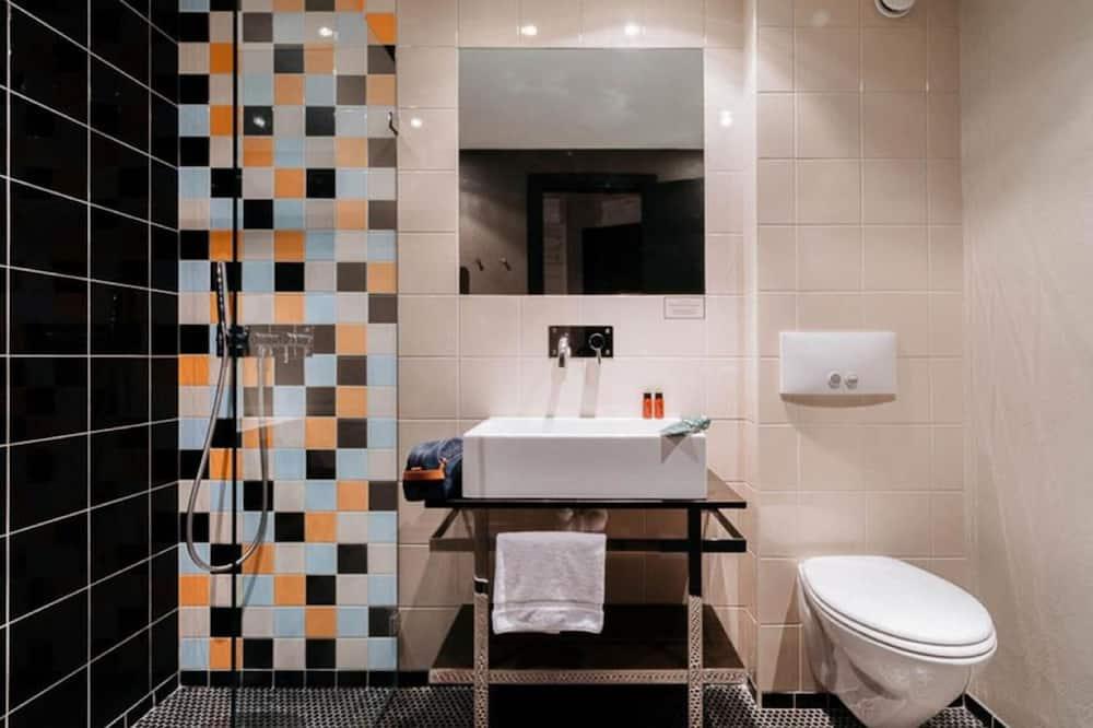 Comfort Tek Büyük veya İki Ayrı Yataklı Oda - Banyo