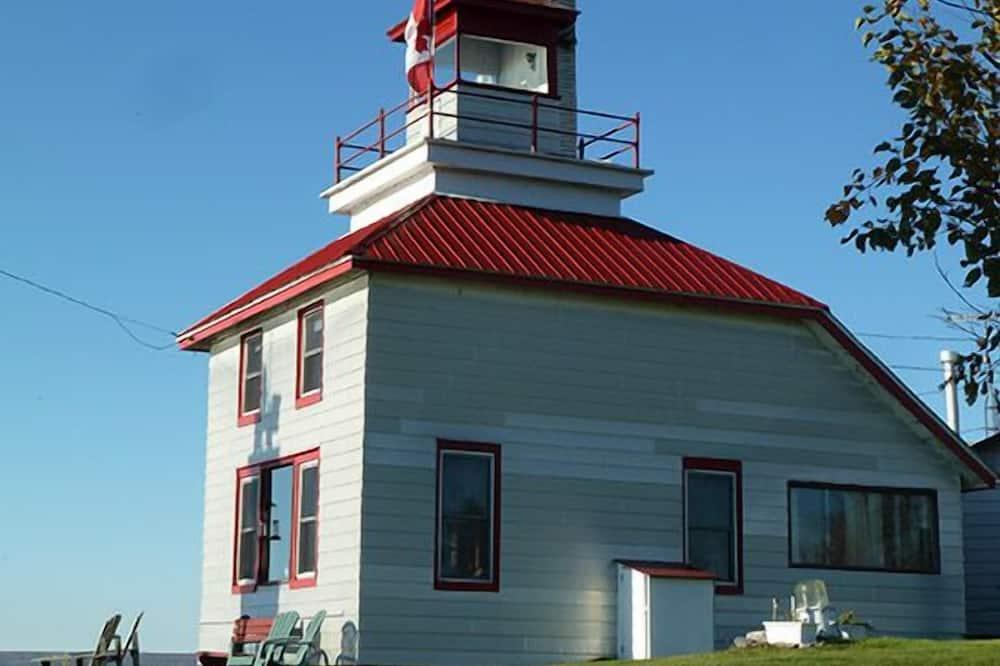 Signature Condo, 3 Bedrooms, Kitchen, Bay View (McKay Island Lighthouse) - Balcony