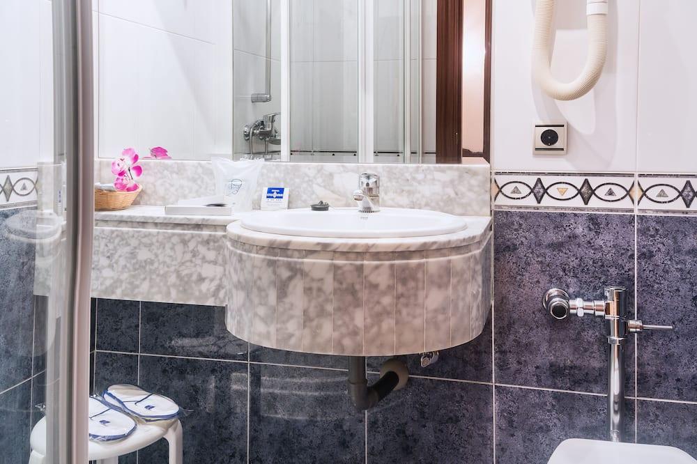 ダブルルーム (1 名様利用) - バスルーム