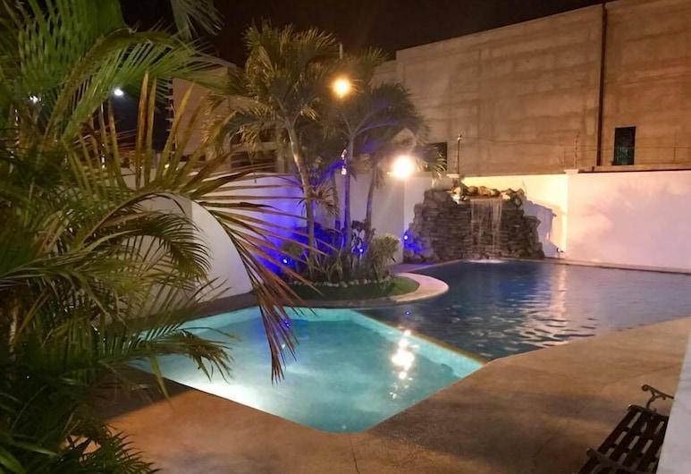 Hotel Mar Azul, Manta, Pool