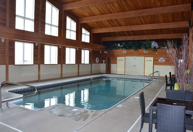 Roosevelt Inn and Suites, Watford City, Alberca cubierta