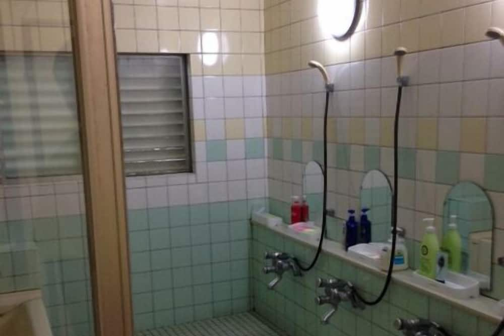 Asrama Umum Ekonomi, 6 kamar tidur, non-smoking, pemandangan kota - Kamar mandi