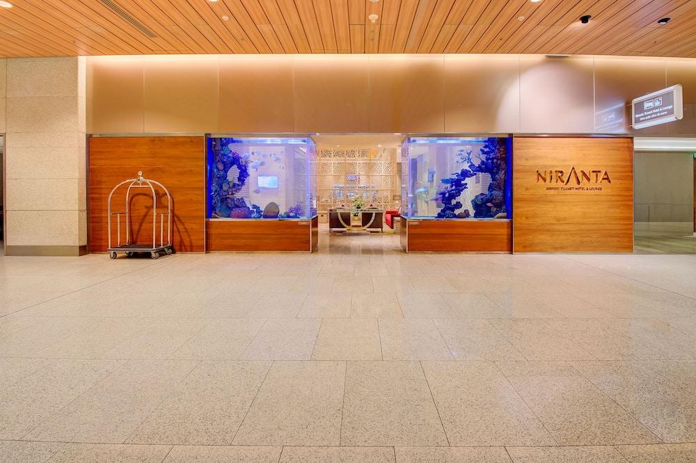Niranta Airport Transit Hotel & Lounge Terminal 2 Arrivals, Mumbai