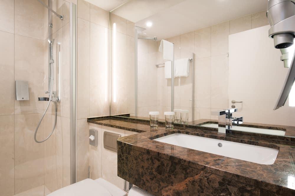 Клубный номер с 1 двуспальной кроватью, мини-кухня - Ванная комната