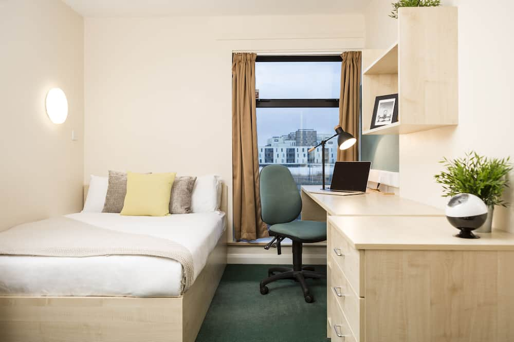Large Double Room - Room