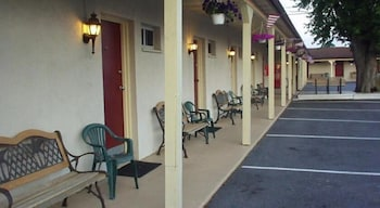 Motels In New Holland