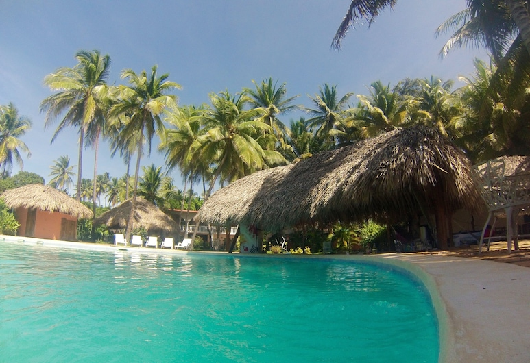 Azul Surf Club, El Cuco, บาร์ริมสระ