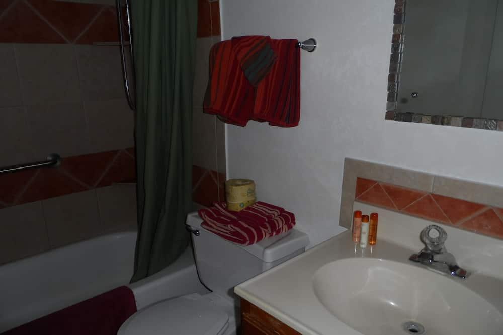 Suite, 1 Bedroom - Bathroom