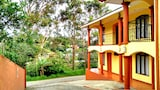 Choose This Cheap Hotel in Monteverde