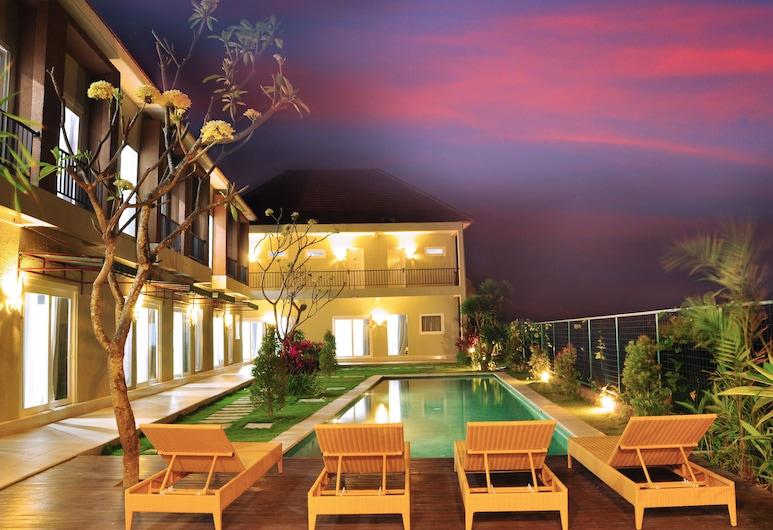 Villa Tangtu Beach Inn, Denpasar, Kolam Renang Luar Ruangan