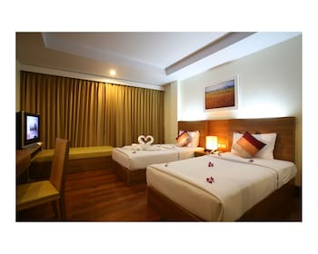 Picture of Baan Saikao Plaza Hotel & Service Apartment in Ko Chang